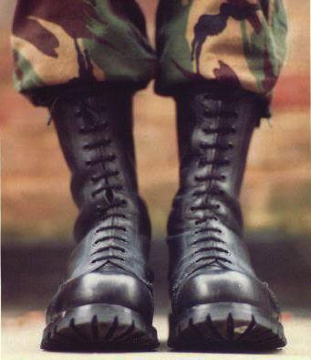Ботинки-«хакинги».