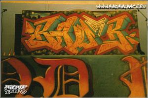 Элементы символики хип-хоп движения в стиле граффити.
