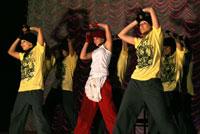 Рэперки в танце хип=хоп.
